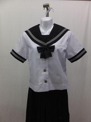 女子夏服(半袖)